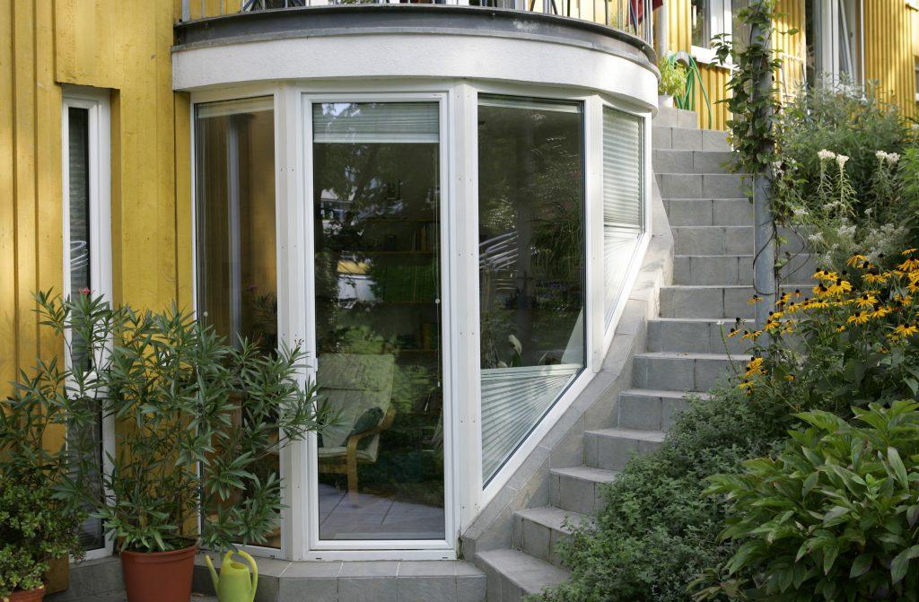Erker mit Glasfenstern