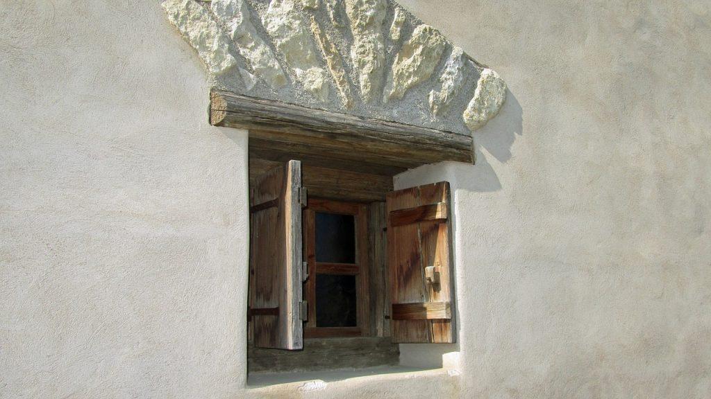 Rekonstruktion eines römischen Fensters - Carnuntum